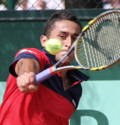Almagro, Baker of U.S. reach Nice final