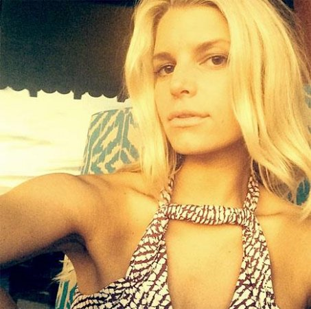 Jessica Simpson celebrates turning 34 with sunset selfie