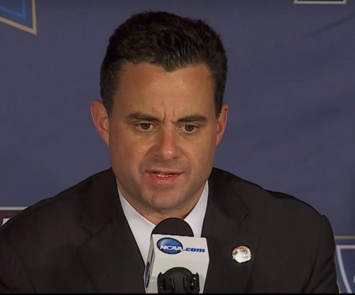SweatGate: Sean Miller sweats shirts, Arizona sweats Wichita State