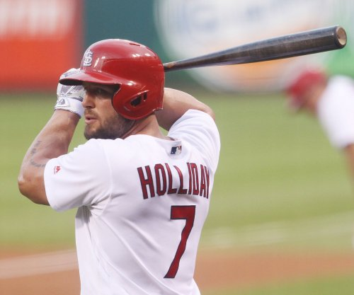 St. Louis Cardinals' Matt Holliday breaks thumb