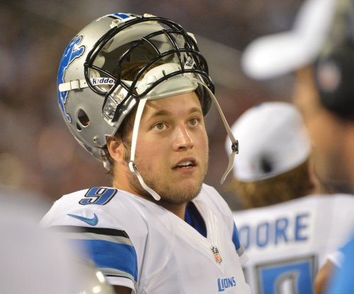 Matthew Stafford dislocates finger in Detroit Lions' win over Chicago Bears