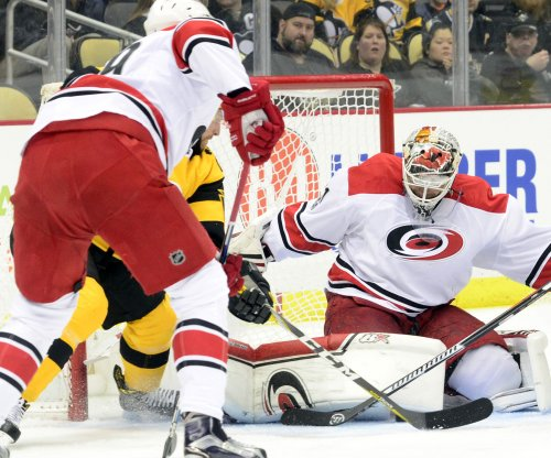 Calgary Flames pick up Eddie Lack in three-player trade