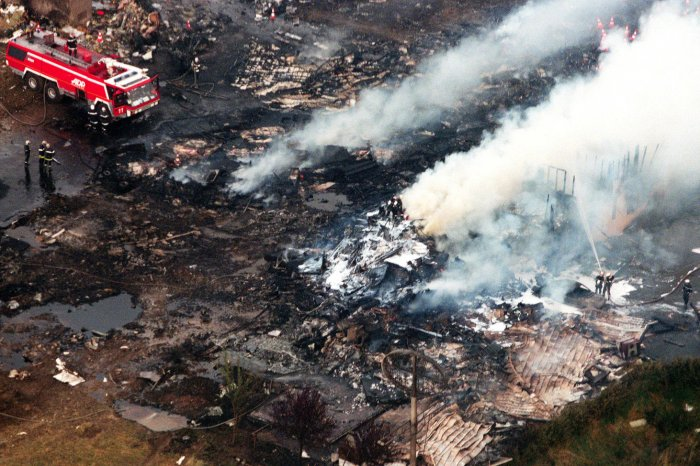 On This Day: Air France Concorde crashes, killing 117