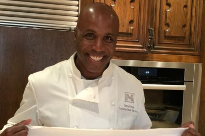 Chef Barry Bonds baked some bread and he wants you to see it