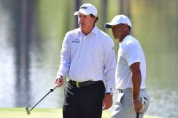 Woods, Mickelson setting up $10M head-to-head