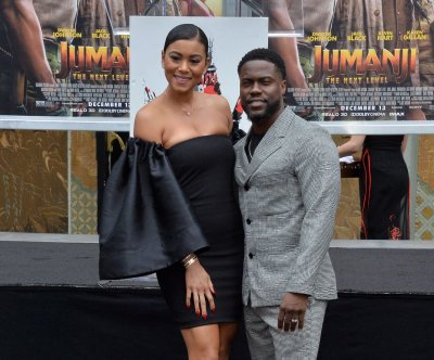 Kevin Hart places hand and footprints at Chinese Theater