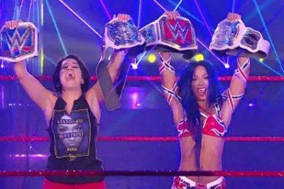 WWE Raw: Sasha Banks becomes double champion