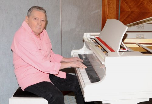 Stretch of road named for Jerry Lee Lewis