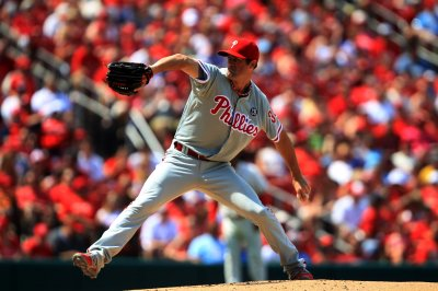Phillies salvage series finale against San Francisco
