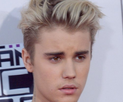 Justin Bieber shows off new lavendar hairdo in Instagram photos