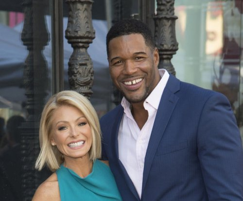 Michael Strahan confirms 'Live' departure, thanks Kelly Ripa