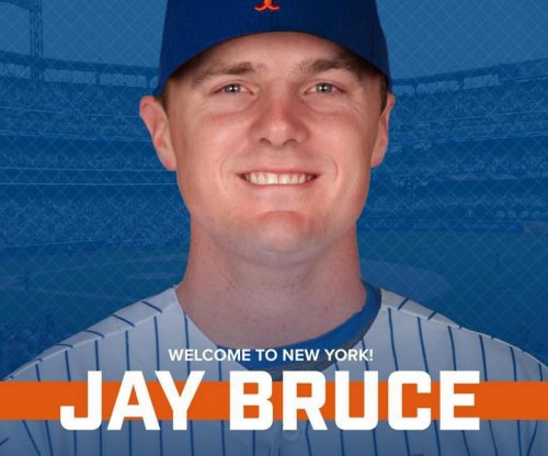 New York Mets acquire NL RBI leader Jay Bruce from Cincinnati Reds