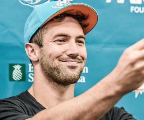 Miami Dolphins place TE Jordan Cameron on IR