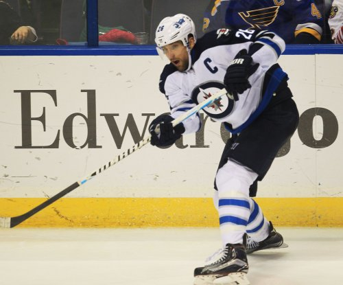 Winnipeg Jets hold off Ottawa Senators