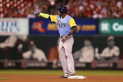 Adeiny Hechavarria lifts Tampa Bay Rays to close win over New York Yankees