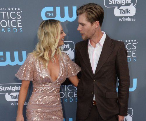 Kaley Cuoco, Karl Cook marry