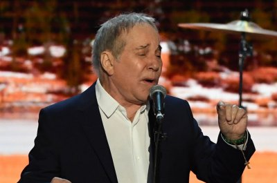 Paul Simon plays final performance in Queens, N.Y.