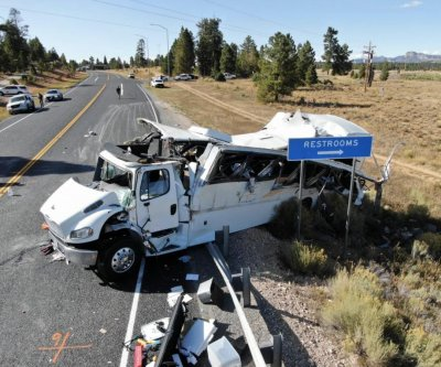 Bus crash near Utah's Bryce Canyon kills 4 Chinese tourists