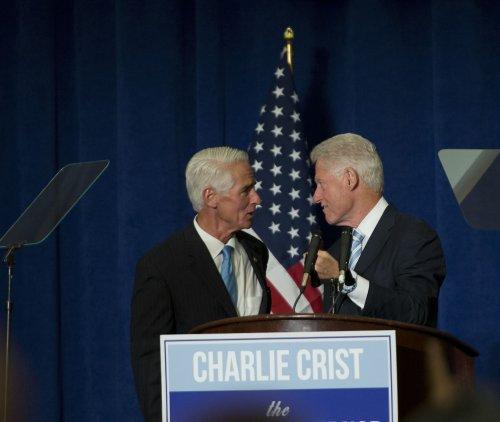 Poll: Florida Gov. Scott, former Gov. Charlie Crist tied