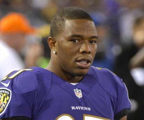 New Ray Rice video shows couple kissing after elevator punch