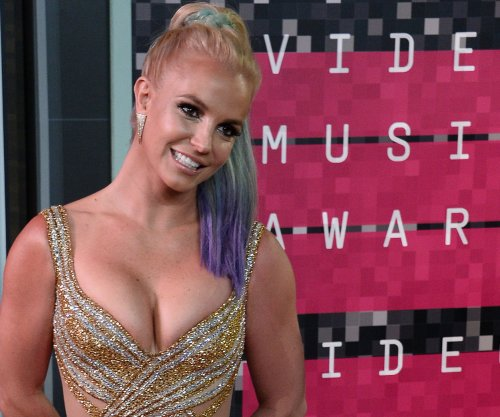 Britney Spears extends Las Vegas residency