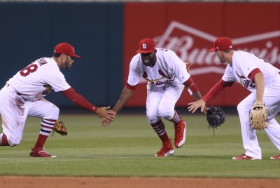 Tommy Pham's grab saves St. Louis Cardinals' 3-2 victory