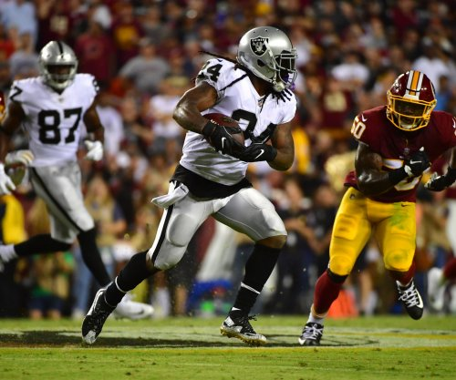 Marshawn Lynch, Derek Carr help Oakland Raiders down New York Giants