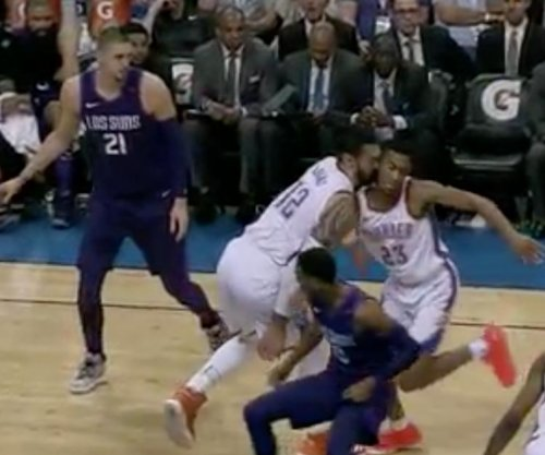 Thunder's Adams accidentally knocks out teammate Ferguson