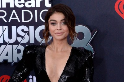 Sarah Hyland defends Ariel Winter from online 'pervs'