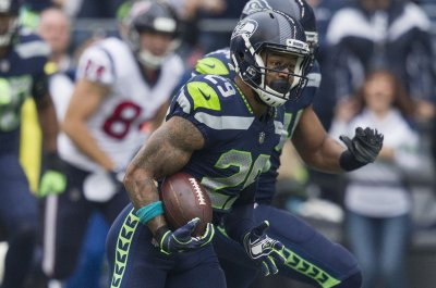 Seahawks want two second-round picks for Earl Thomas