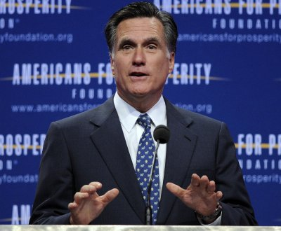 Romney leads race for billionaire funds