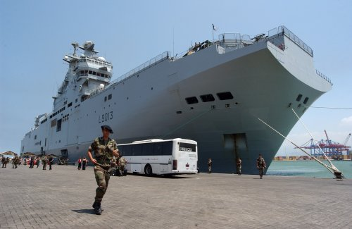U.S. lawmakers ask NATO to buy Mistral-class warships from France to prevent sale to Russia