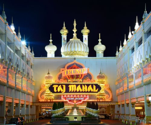 Carl Icahn battles union, NLRB over N.J. casino contracts