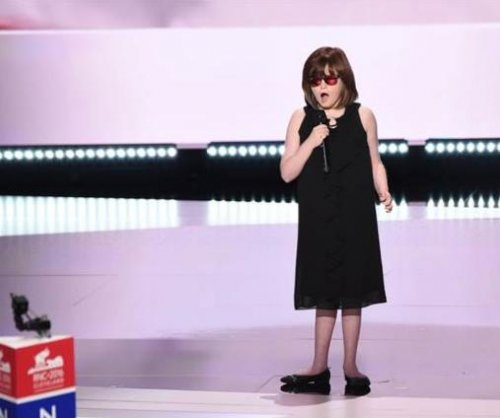 Blind singer wows RNC with national anthem performance
