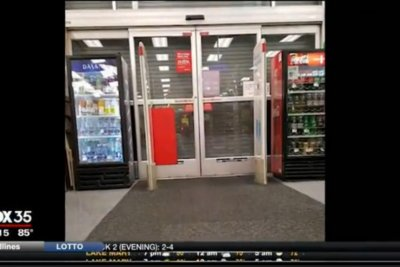 Florida CVS customer finds herself locked inside after closing