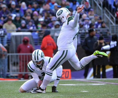 Tampa Bay Buccaneers sign kicker Zach Hocker to compete with Nick Folk