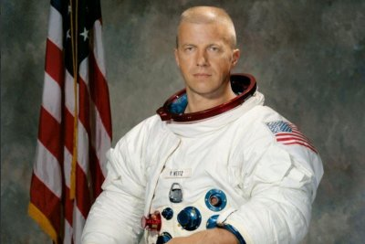 Astronaut Paul Weitz, who flew on Skylab and Challenger, dies at 85
