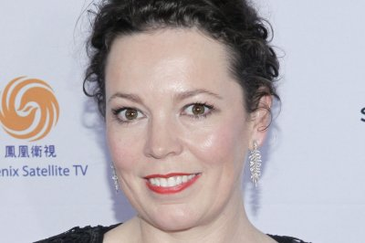 'Broadchurch' alum Olivia Colman to take over royal role in 'The Crown'