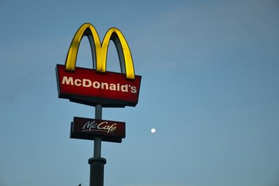 Nearly 400 now sickened in suspected McDonald's salad outbreak