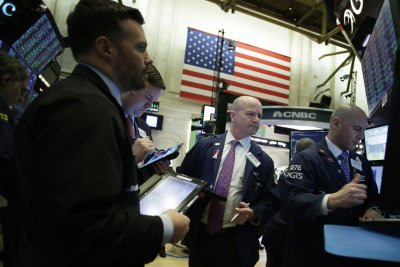 Dow rises for fourth straight day ahead of Fed meeting