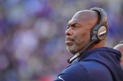 Los Angeles Chargers to sign coach Anthony Lynn to contract extension