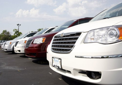 Chrysler plans to rehire some designers