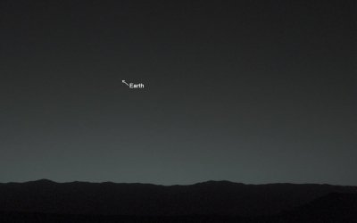 Curiosity takes its first photo of Earth from Mars surface