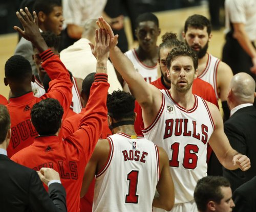 Pau Gasol leads Bulls to comeback victory