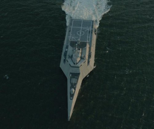 USS Montgomery LCS damaged during Panama Canal transit