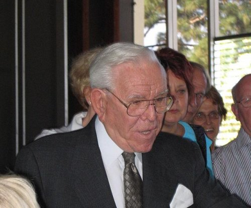 Megachurch founder Rev. Robert H. Schuller dies