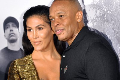 Dr. Dre acknowledges abuse allegations, apologizes