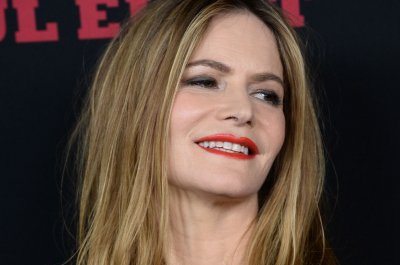 jennifer jason leigh instagram