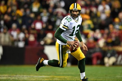 Aaron Rodgers leads Green Bay Packers to NFC North title