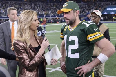 Erin Andrews reveals she battled cervical cancer during 2016 NFL season